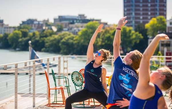 Alumni Park Yoga with Outdoor UW