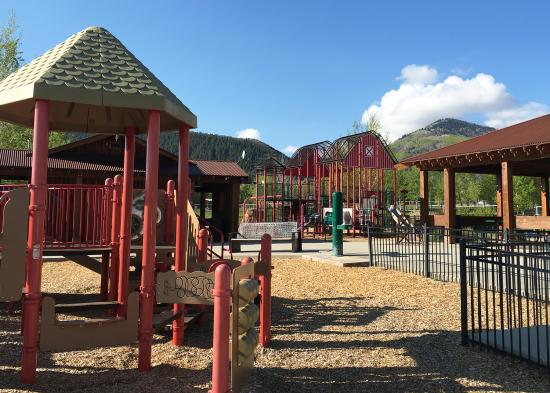Willow Creek Playground