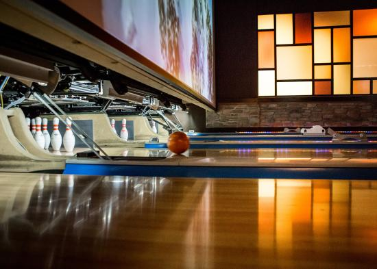 Bowling at Jupiter Bowl