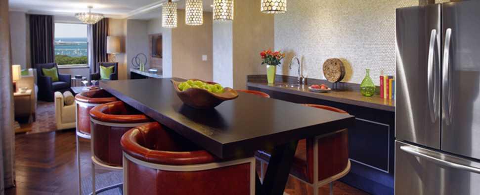 Hilton Chicago, Dusable Suite Kitchen