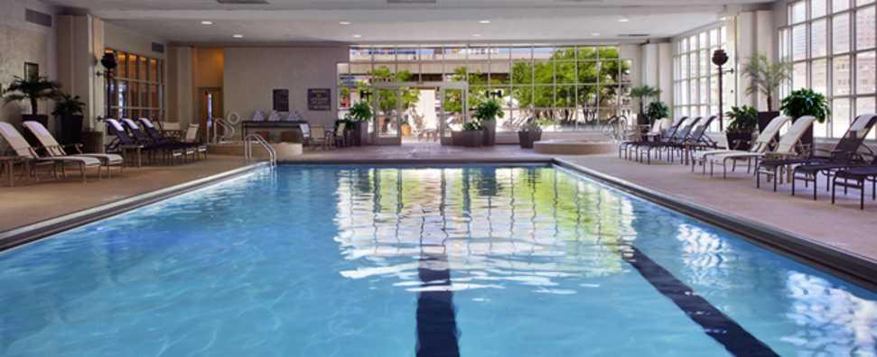 Hilton Chicago, Indoor Pool