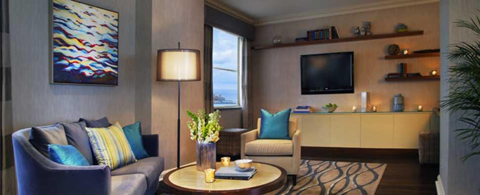 Hilton Chicago, Chicago Suite Living Room