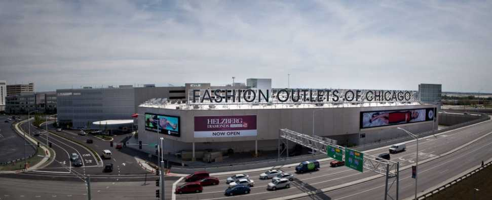 Fashion Outlets of Chicago - one block walk