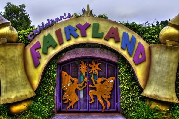 Oakland children's fairyland entrance