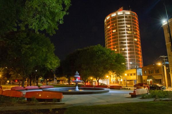 Crown Plaza at night from Forman Park near Syracuse University