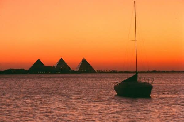 Sunset view of Palm Beach at Galveston Moody Gardens