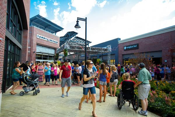 Tanger Outlets, Grand Rapids
