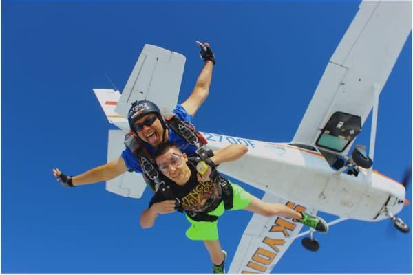 Foto Cortesía de Blue Skies Skydiving Center