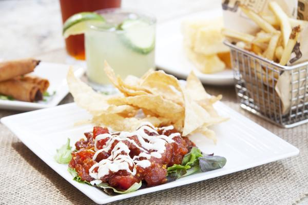 EATS Happy Hour Ahi Poke and drinks