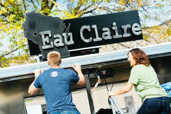 Eau Claire-Stream On Tour