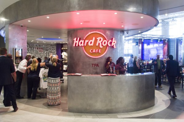 Hard Rock Cafe/Rock Shop