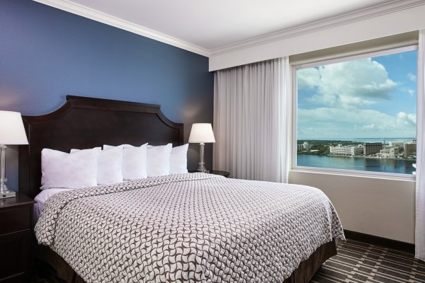 King Suite - Bay View