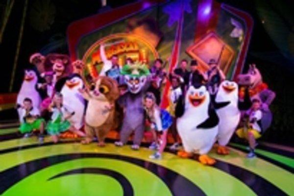 Busch Gardens Tampa Cheetah Hunt Coaster. Madagascar Live!