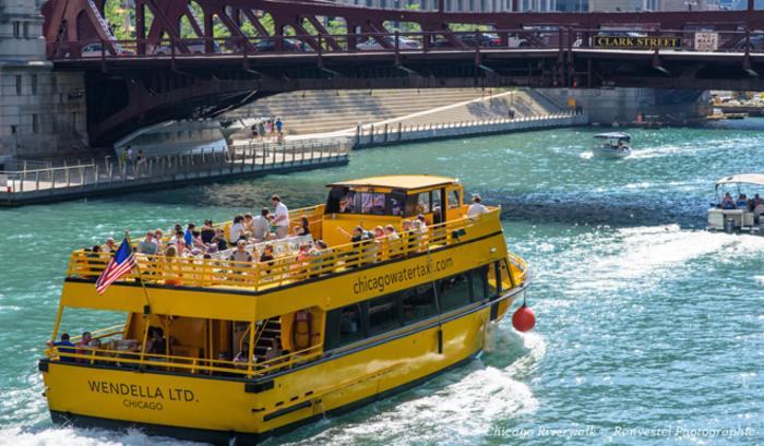 Wendella water taxi on the Chicago Riverwalk