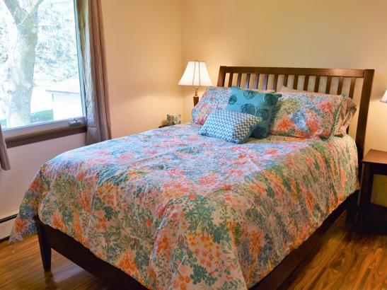 Annie's - Bedroom