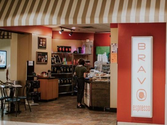 Inside the coffee shop | credit AB-PHOTOGRAPHY.US