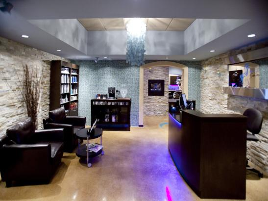 Blue H20 Salon at the Doubletree by Hilton/Mayo Clinic Area