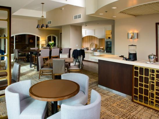 Concierge services, breakfast and hors d'eouvres daily in the Executive Lounge