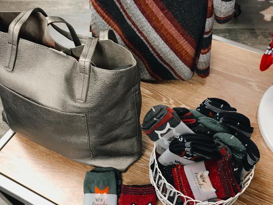 Find unique accessories credit > AB-Photography.us.