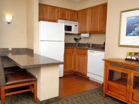 All Suites Hotel