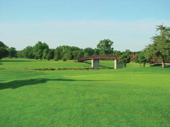 Golf course   credit olivejuicestudios.com