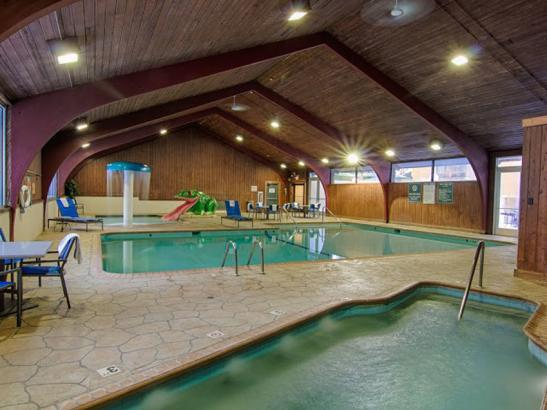 Wyndham Indoor Pool