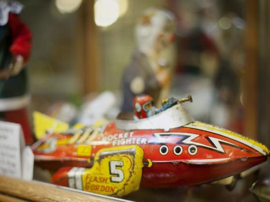A vintage toy > credit olivejuicestudios.com.