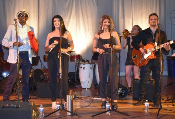Viva Vancouver performers