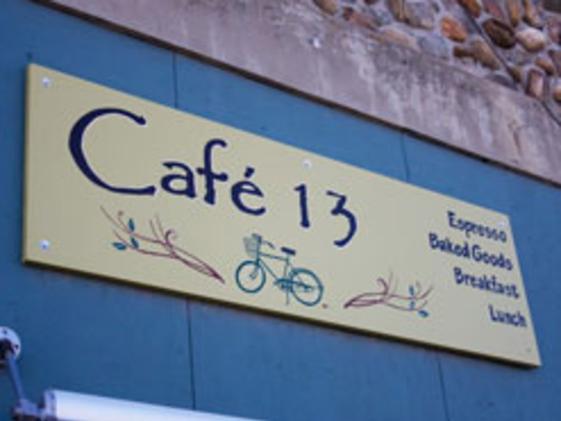 1109_cafe13lg_1242343694.jpg