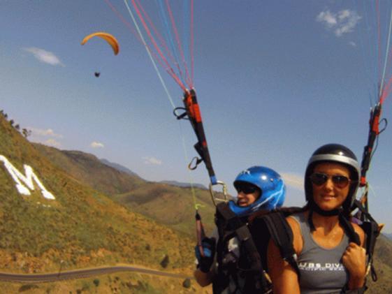 1263_paragliding.jpg
