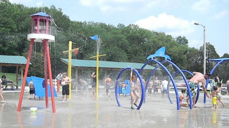 Kids playing at the Carl Cowan Park Splash Pad