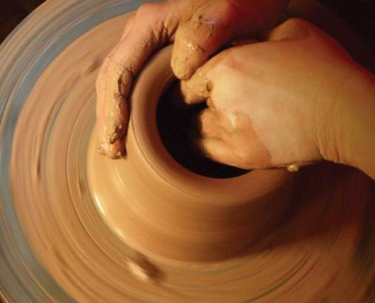 BananaFactory_Pottery02_DiscoverLehighValley_ErikaLiodice