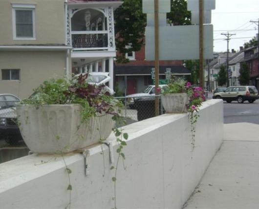 Bath-Flower-Boxes-on-Bridge-3.jpg