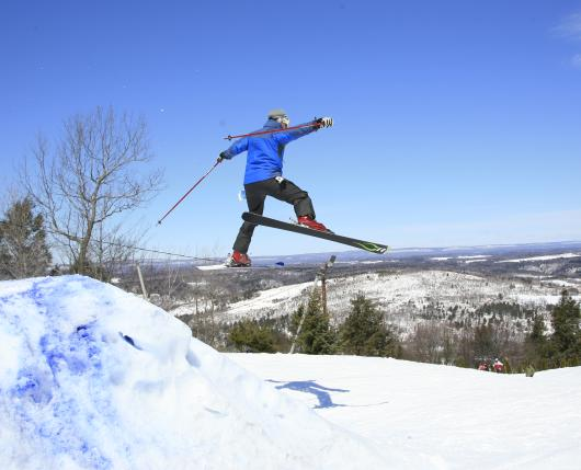 BlueMountainResort_Skier03_DiscoverLehighValley