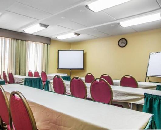 ComfortInnLVWest_MeetingEventSpace01_DiscoverLehighValley