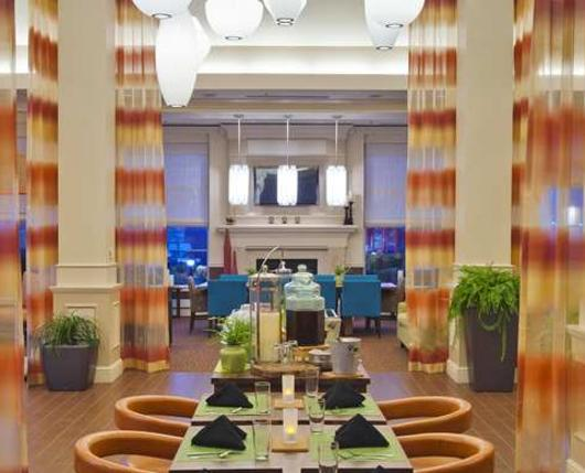 HiltonGardenInnAirport_Lobby01_DiscoverLehighValley