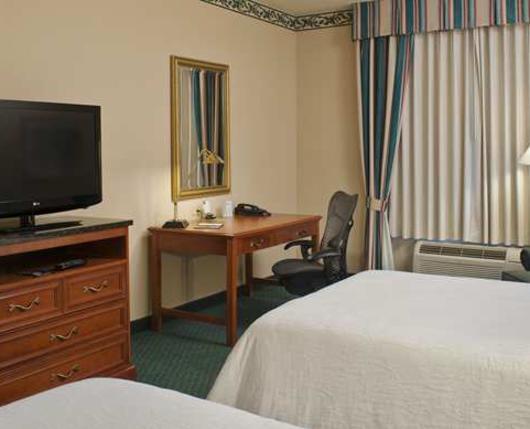HiltonGardenAirport_Room01_DiscoverLehighValley