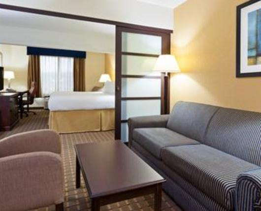 HolidayInnExpressAllentownWest_room01_DiscoverLehighValley
