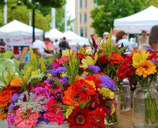 EastonFarmersMarket_Flowers_DiscoverLehighValley.jpg