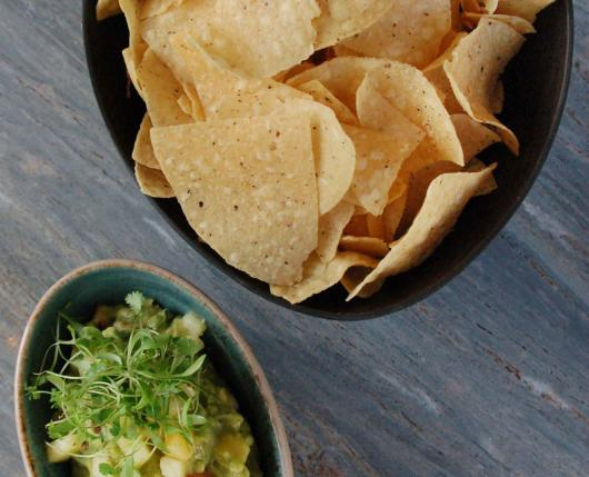 guac-and-chips2.jpg