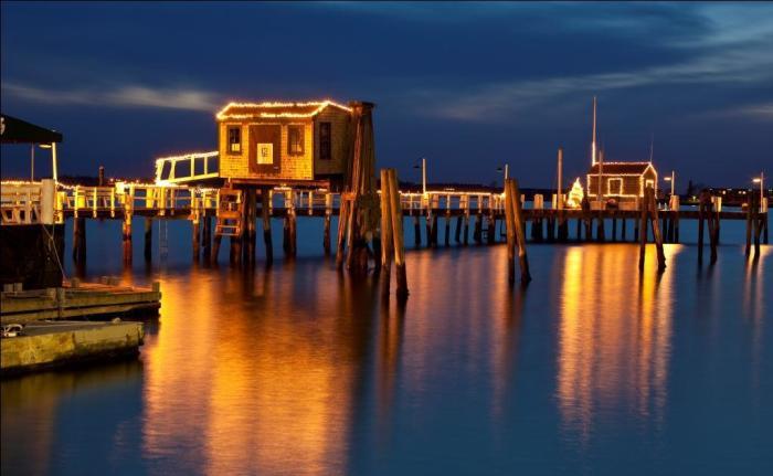 bannisters-wharf-lights_credit_marianne-lee.jpg