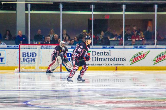 DJ_Many_IceHogs_Players