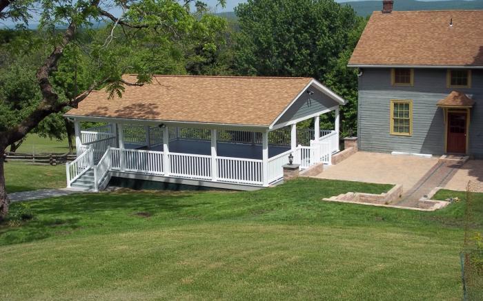 pavilion/patio