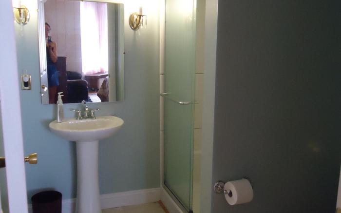 Bath, Marquis de Lafayette Room, Fox Castle Bed and Breakfast