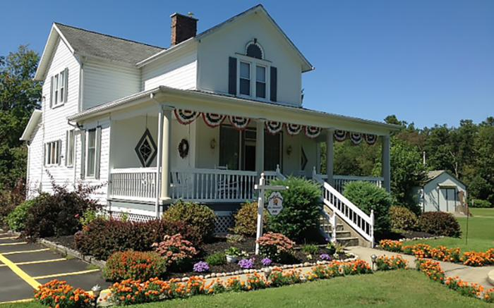 Country Seasons Bed & Breakfast Inn