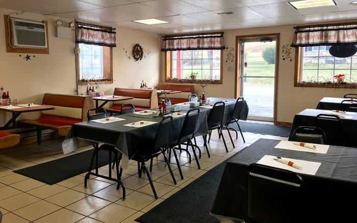 Brenda's Family Restaurant -Dining area