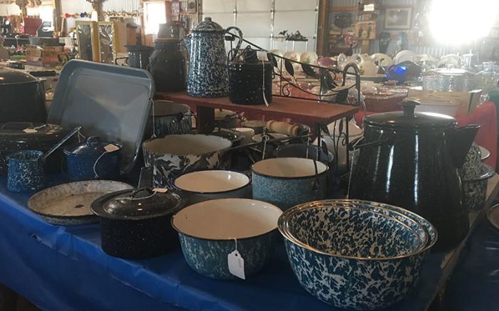 Henry's Antiques & Flea Market