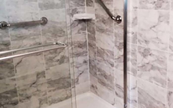 Blacksmith Cottage Shower