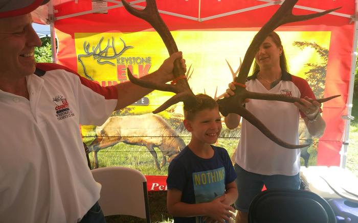 Chapter Chairs, Mark and Vanessa teaching kids about elk