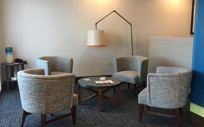 Holiday Inn Express Uniontown - Lobby
